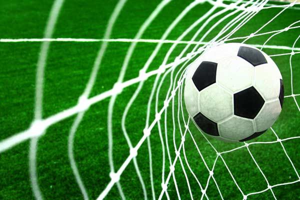 جایگاه سازی برند و توپ فوتبال در گل